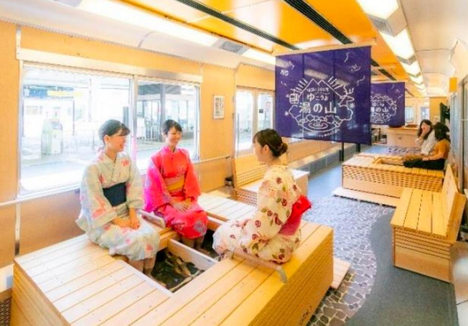 近鉄、近鉄名古屋~湯の山温泉間で「足湯列車」直通運行 記念ツアーも実施 | RailLab ニュース(レイルラボ)