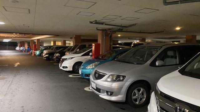 彩香 駐車場