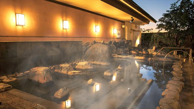 岩風呂(彩香の湯HPより) / 天然戸田温泉 彩香の湯
