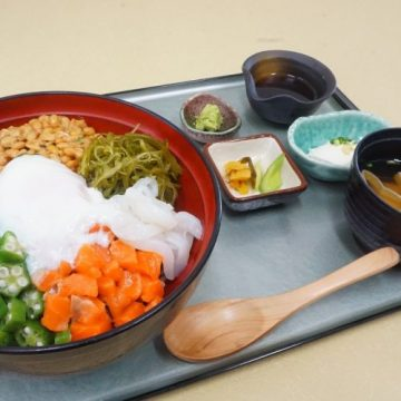 健康増進丼御膳(湯けむりの庄HPより) / 綱島・湯けむりの庄