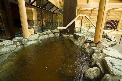極楽湯多摩センター - 岩風呂あつ湯
