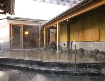 桜雲の湯。 岩風呂スタイル!(公式HPより)