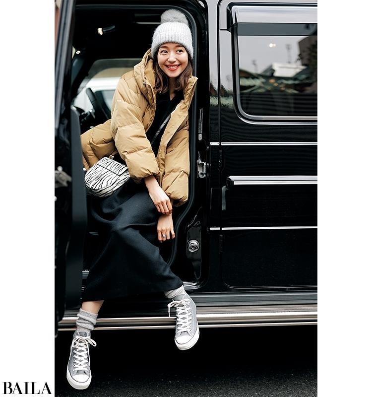【30代毎日コーデ】温泉旅行に行く日は、脱ぎ着しやすい黒ワンピ×旬色ダウンでカジュアルコーデ(集英社ハピプラニュース) – Yahoo!ニュース
