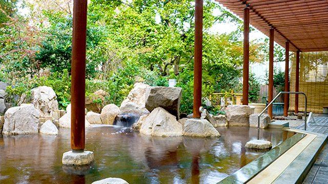露天風呂(庭の湯公式HPより) / バーデと天然温泉 豊島園 庭の湯