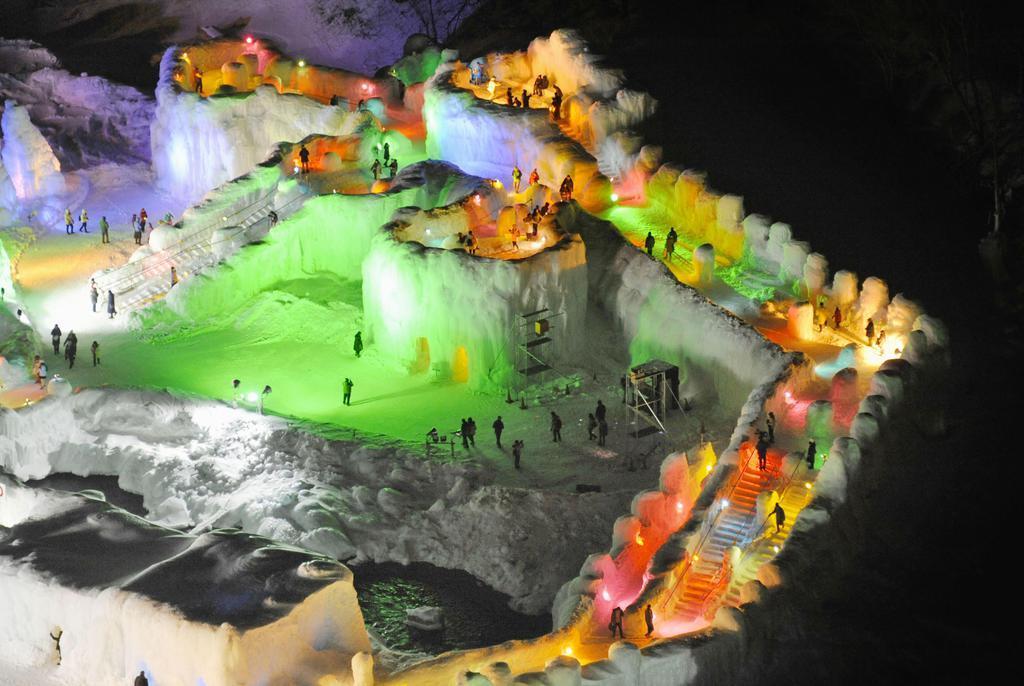 光織りなす幻想世界 層雲峡温泉氷瀑まつり – 産経ニュース
