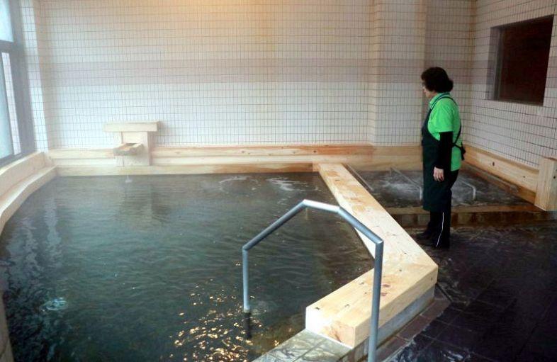 ヒノキの香り楽しんで あば温泉リニューアルオープン:山陽新聞デジタル さんデジ