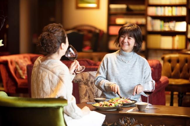 コロナ禍で連泊客が35%増加、多い日は宿泊客の40%が連泊客。GoToトラベル参画宿【蓼科 親湯温泉】:時事ドットコム