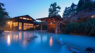 ギャラリー:「絶景に出合うえ、自然を感じられる温泉が大好き」──横山エリカさん(モデル ラジオパーソナリティ)   GQ Japan