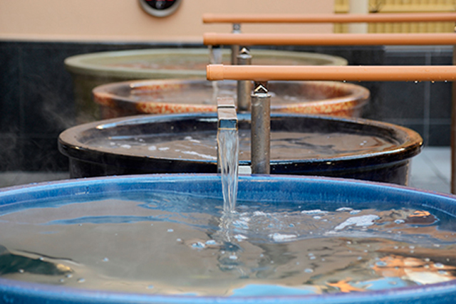 センター南温泉 湯もみの里 壺湯温泉