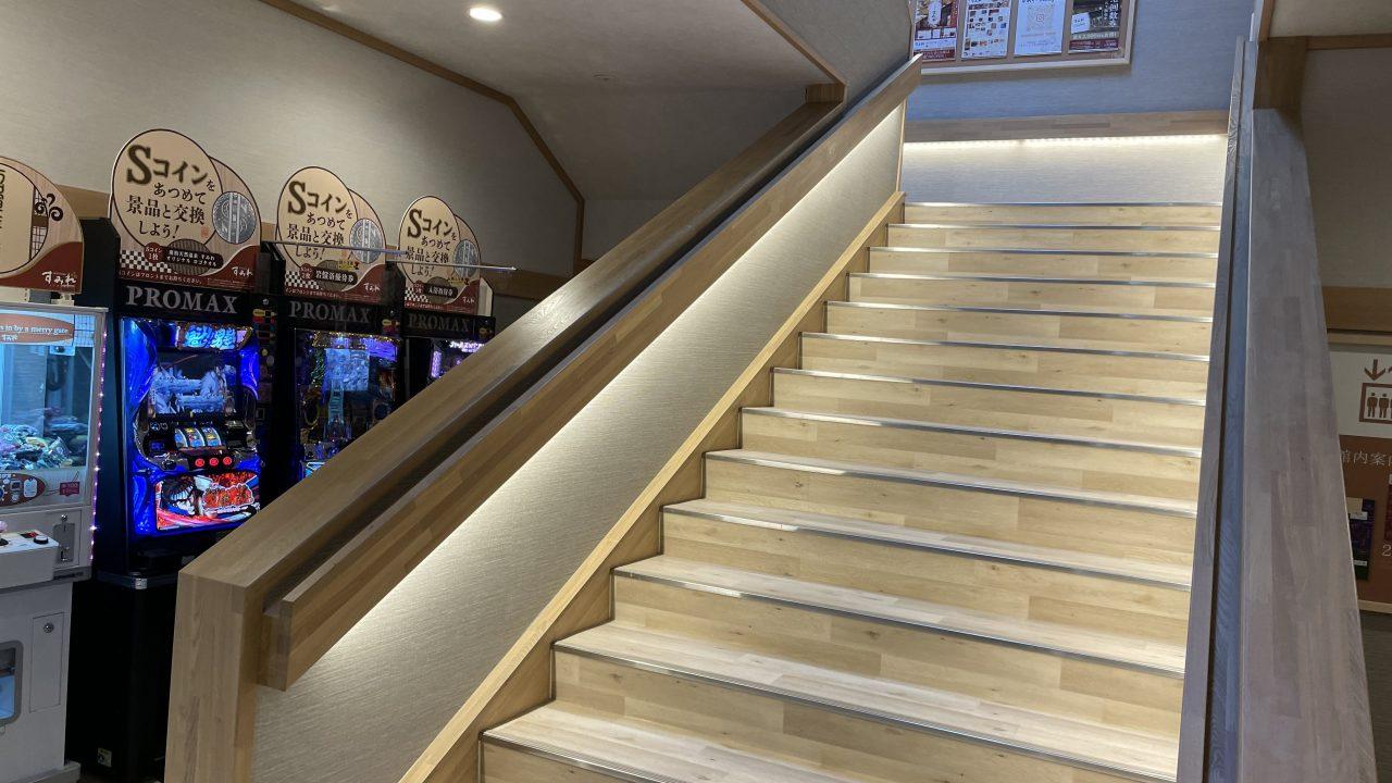 2階は階段が基本導線。