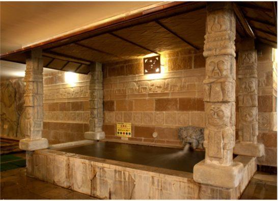 天然鉱石風呂