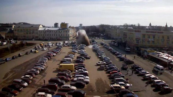 街中で突然の間欠泉。やはりロシアはおそロシア